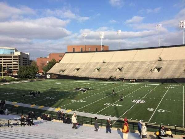 Vanderbilt Stadium, secção: F, fila: 30, lugar: 24