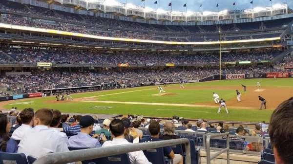 Yankee Stadium, secção: 114B, fila: 17, lugar: 16