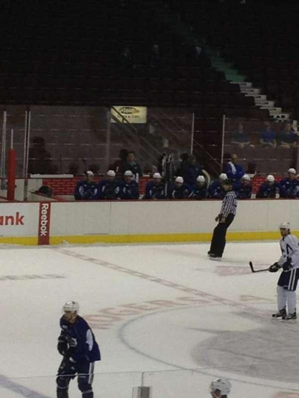 Rogers Arena, secção: 110, fila: 8, lugar: 7