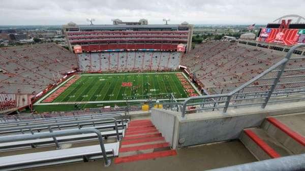 Memorial Stadium (Lincoln), secção: 606, fila: 9, lugar: 4