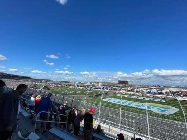 Charlotte Motor Speedway, secção: FORD J, fila: 13, lugar: 29