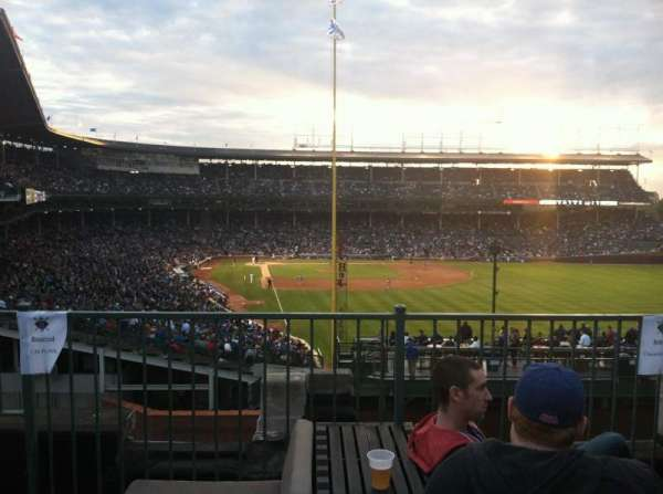Wrigley Field, secção: Sheffield Club, fila: GA