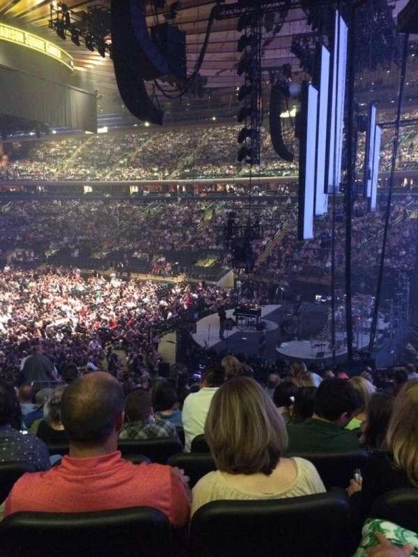 Madison Square Garden, secção: 110, fila: 20, lugar: 6