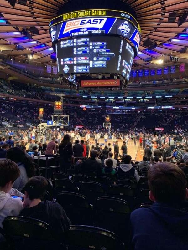 Madison Square Garden, secção: 3, fila: 15, lugar: 5