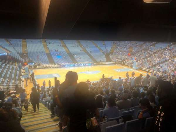 Dean E. Smith Center, secção: 123, fila: DD, lugar: 13