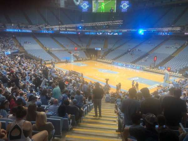 Dean E. Smith Center, secção: 130, fila: Aa, lugar: 1