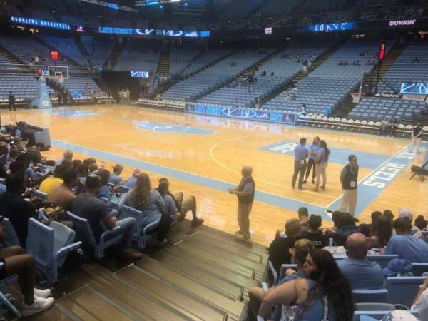 Dean E. Smith Center, secção: 130, fila: F, lugar: 1