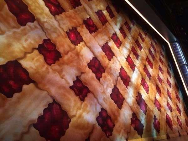 Brooks Atkinson Theatre, secção: Orchestra R, fila: AA, lugar: 1 and 3