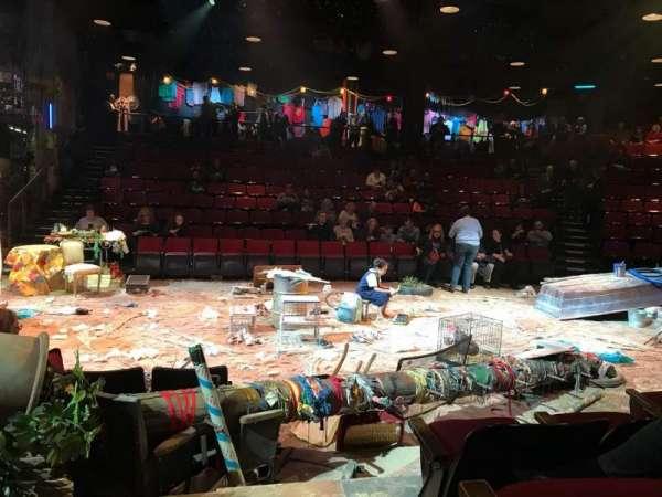 Circle in the Square Theatre, secção: Orchestra 200 (Odd), fila: D, lugar: 235 & 237