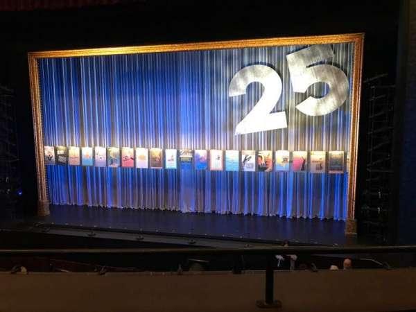 Mainstage at the New York City Center, secção: GTR, fila: B, lugar: 120 And 12