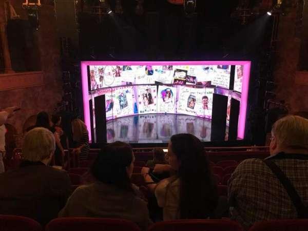 August Wilson Theatre, secção: Mezzanine C, fila: H, lugar: 111 And 112