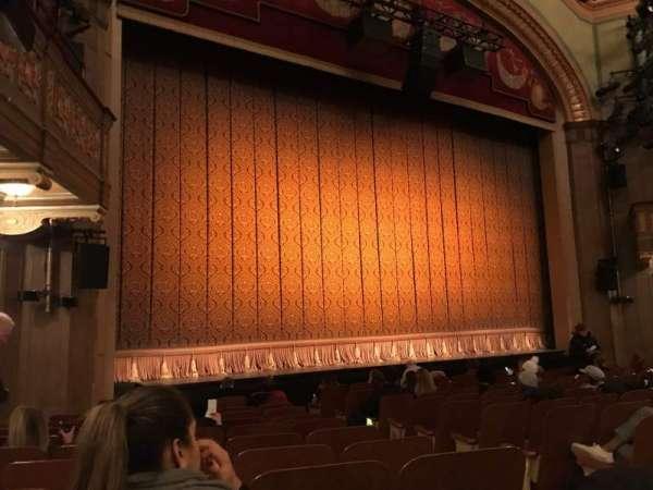 Booth Theatre, secção: ORCL, fila: K, lugar: 5 And 7