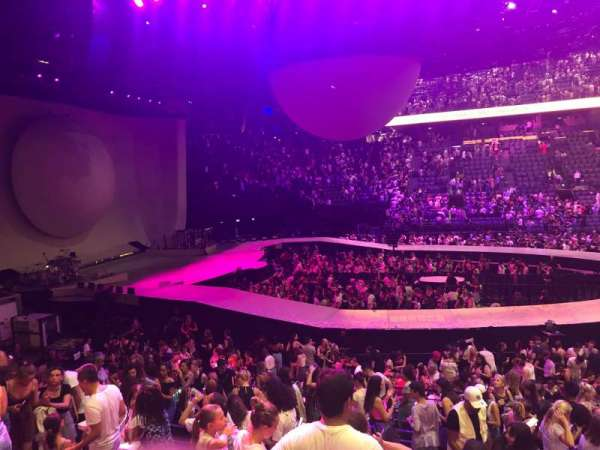 AccorHotels Arena, secção: Gradin O, fila: 14, lugar: 01
