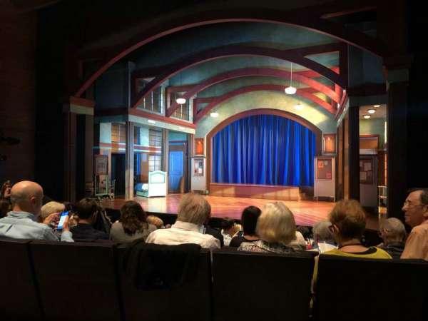 Coca-Cola Stage at Alliance Theatre, secção: Right Orch, fila: J, lugar: 10