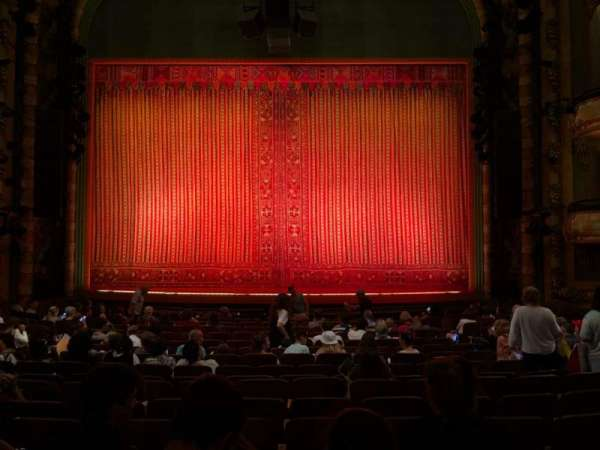 New Amsterdam Theatre, secção: Orchestra C, fila: R, lugar: 106