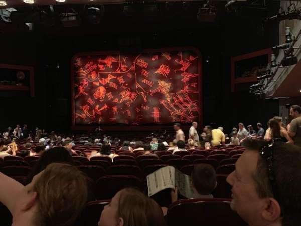 Minskoff Theatre, secção: Orchestra C, fila: Y, lugar: 127
