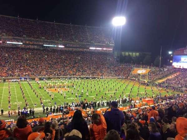 Memorial Stadium, Clemson, secção: UG, fila: F, lugar: 15,17