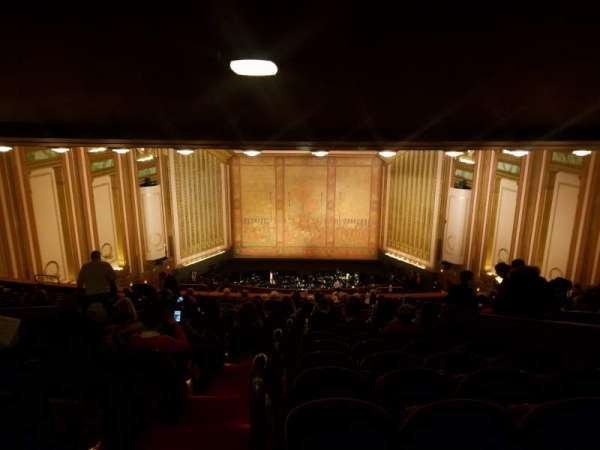 Lyric Opera House, secção: First Balcony, fila: R, lugar: 1