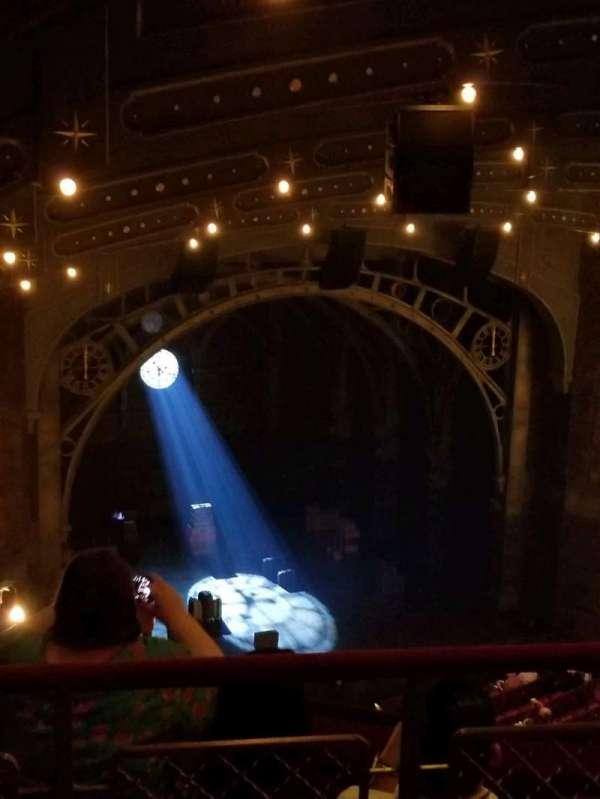 Lyric Theatre, secção: Balcony L, fila: D, lugar: 23