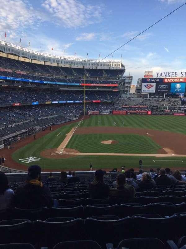 Yankee Stadium, secção: 217, fila: 15, lugar: 9