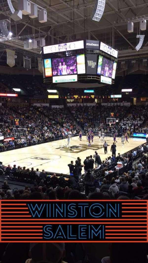 Lawrence Joel Veterans Memorial Coliseum, secção: 111, fila: S, lugar: 5