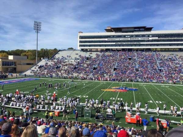 David Booth Kansas Memorial Stadium, secção: 21, fila: 25, lugar: 12
