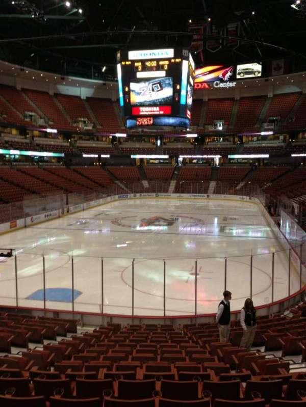 Honda Center, secção: 214, fila: S, lugar: 7