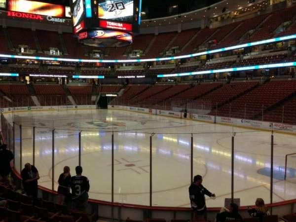 Honda Center, secção: 203, fila: K, lugar: 6