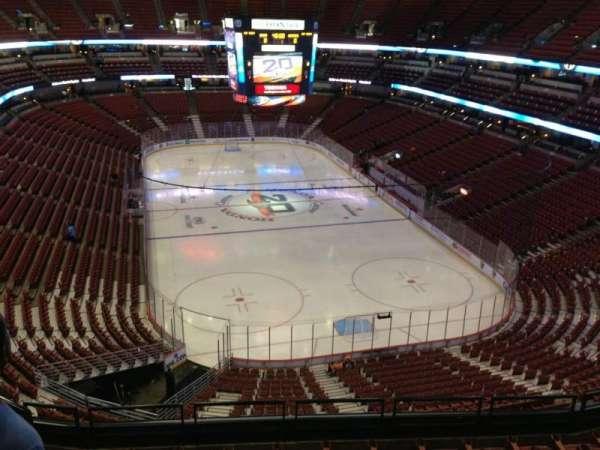 Honda Center, secção: 424, fila: G, lugar: H