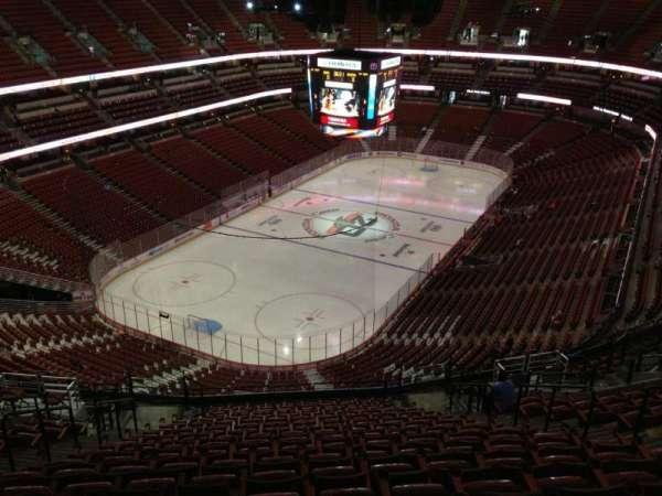 Honda Center, secção: 419, fila: T, lugar: 9