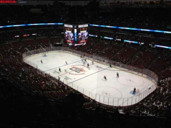 Honda Center, secção: 406, fila: S, lugar: 12