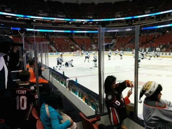Honda Center, secção: 207, fila: C, lugar: 102