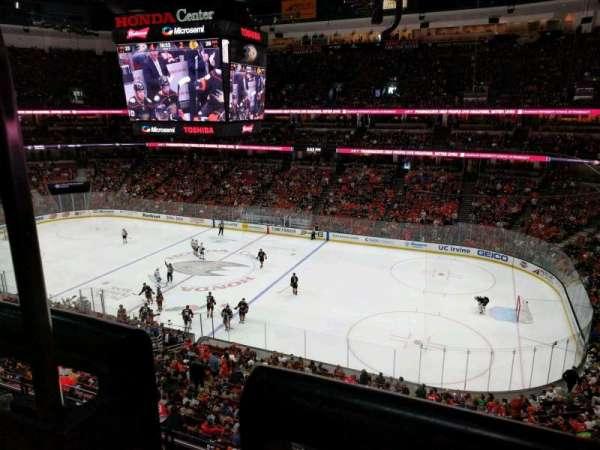 Honda Center, secção: 408, fila: A, lugar: 15