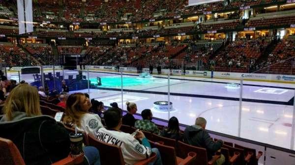 Honda Center, secção: 205, fila: H, lugar: 9