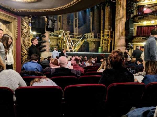 CIBC Theatre, secção: Orchestra L, fila: Q, lugar: 21