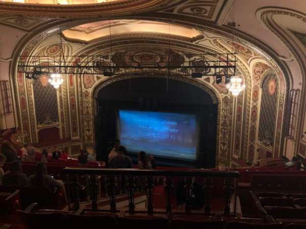 Cadillac Palace Theater, secção: Balcony R, fila: R, lugar: 10