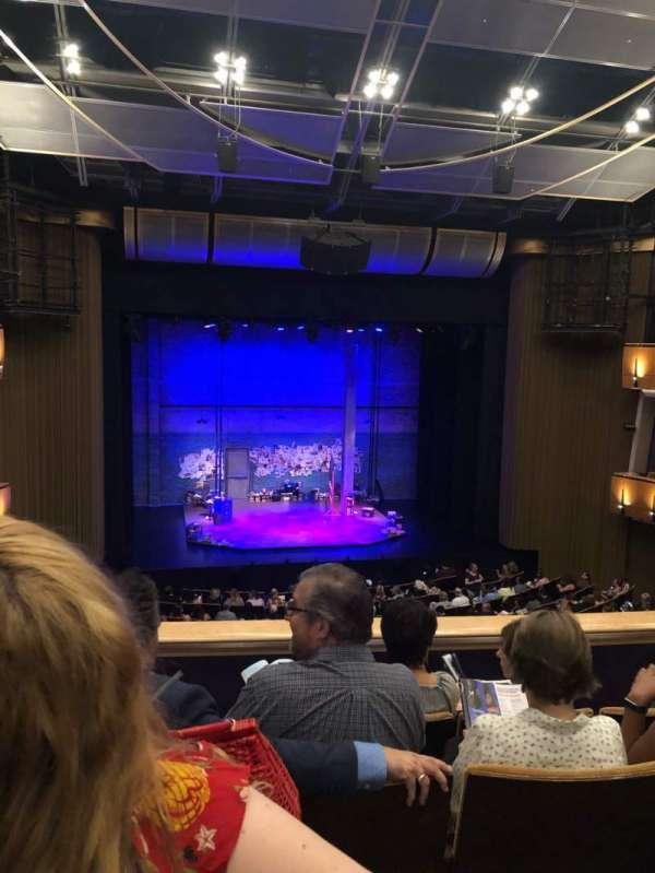 Ahmanson Theatre, secção: Mezzanine L, fila: D, lugar: 34
