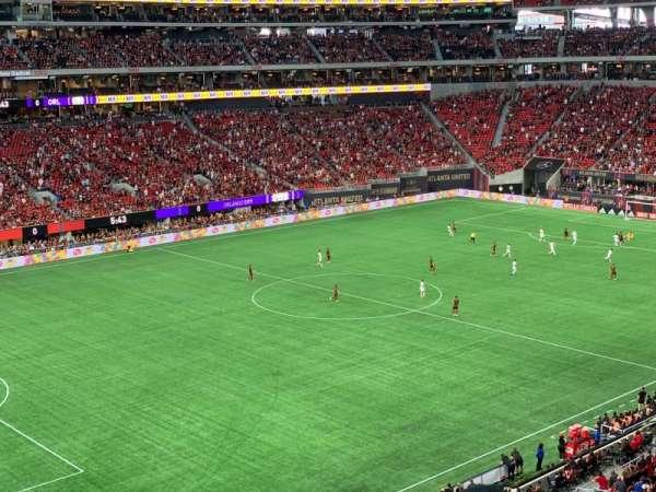 Mercedes-Benz Stadium, secção: 243, fila: 2, lugar: 7