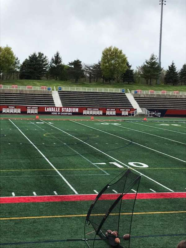 Kenneth P. LaValle Stadium, secção: 106, fila: H, lugar: 31