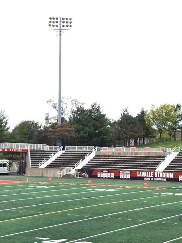 Kenneth P. LaValle Stadium, secção: 103, lugar: 6