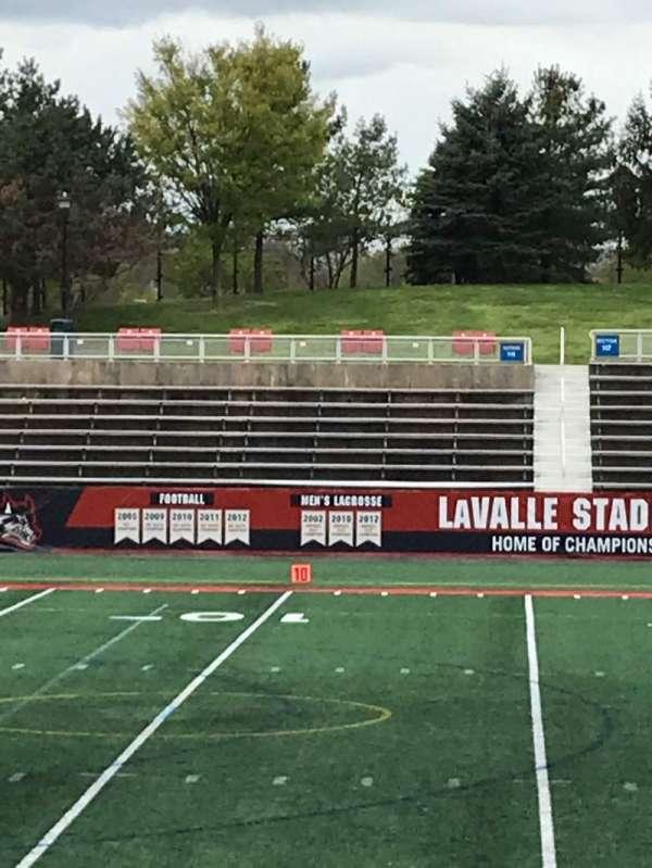Kenneth P. LaValle Stadium, secção: 106, fila: H, lugar: 2