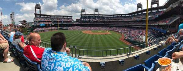Citizens Bank Park, secção: 242, fila: 2, lugar: 13