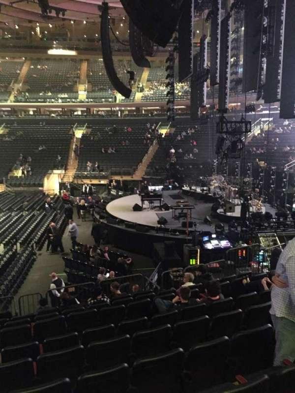 Madison Square Garden, secção: 109, fila: 12, lugar: 7