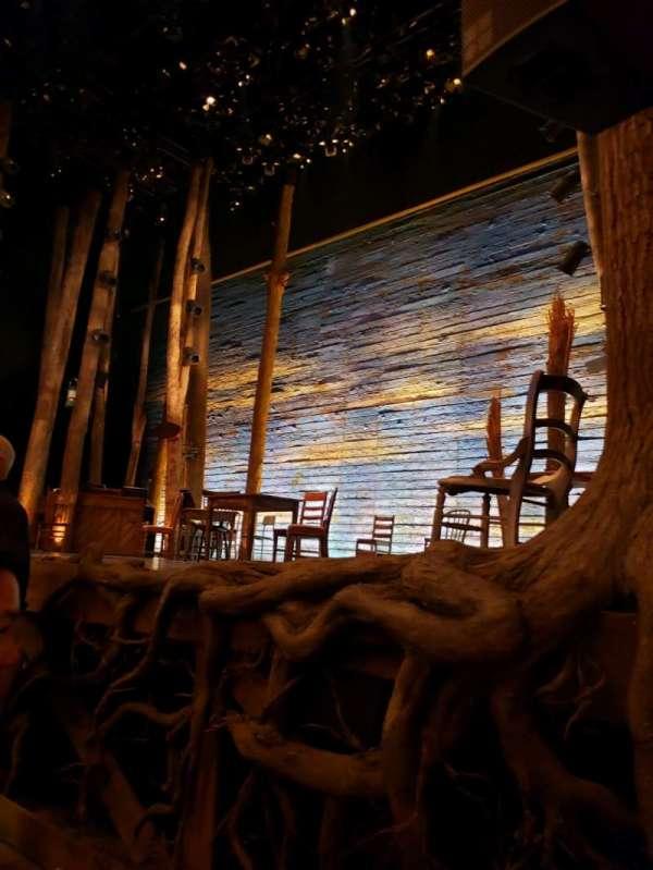 Gerald Schoenfeld Theatre, secção: Orchestra R, fila: B, lugar: 8