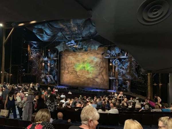 Gershwin Theatre, secção: Orchestra R, fila: V, lugar: 28
