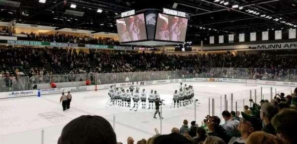 Munn Ice Arena, secção: W, fila: 10, lugar: 12
