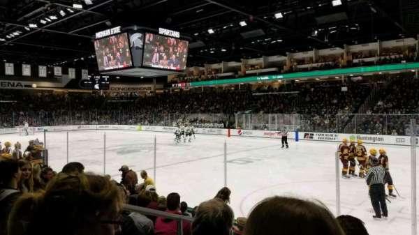 Munn Ice Arena, secção: F, fila: 8, lugar: 8