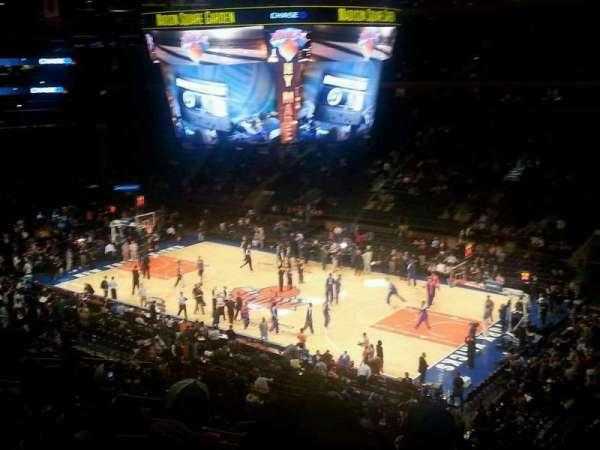Madison Square Garden, secção: 214, fila: 8, lugar: 3