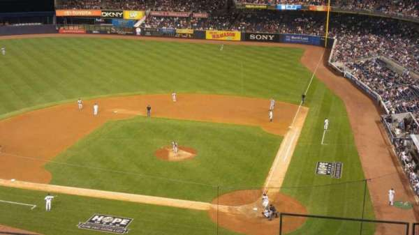 Yankee Stadium, secção: 322, fila: 5, lugar: 1