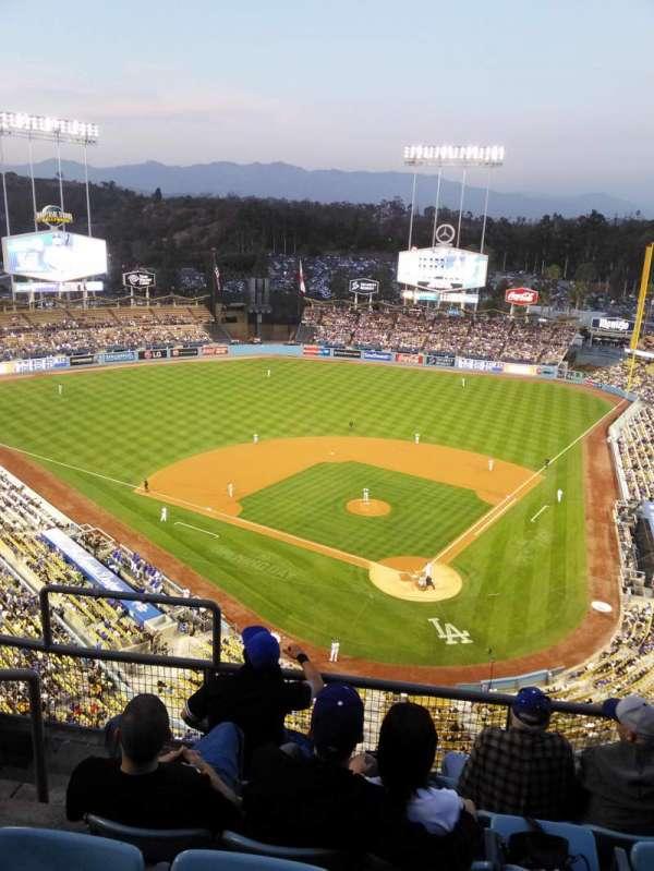 Dodger Stadium, secção: 5td, fila: E, lugar: 17